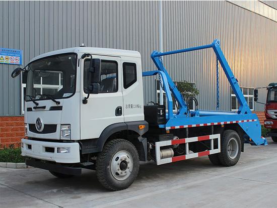 东风D9摆臂垃圾车